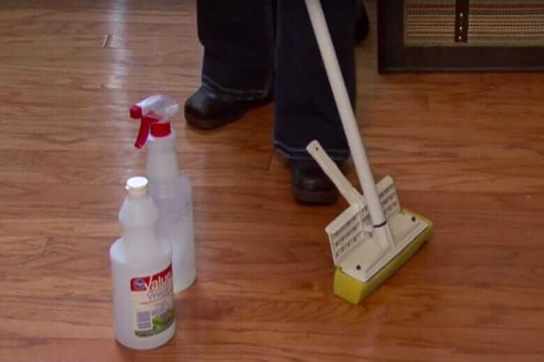 pavimento di aceto bianco